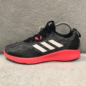Adidas women size 7.5 néw shoes.